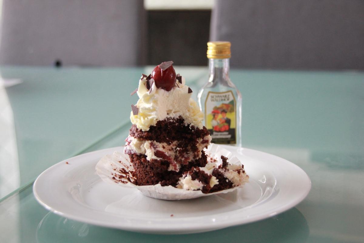 Schwarzwälder Cupcakes