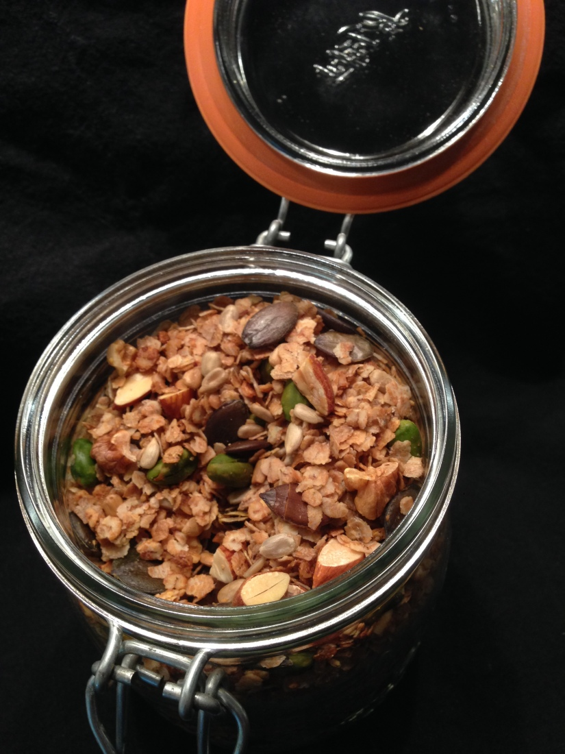 DIY Granola (c) sweetsandsewings